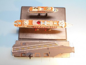 USS-Nimitz-1-1200th-Scale-Sept-2015-0050 004-w-QM2-Aida-top-s