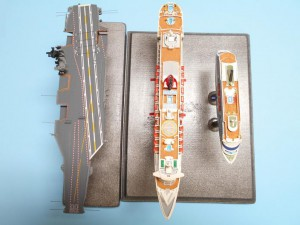 USS-Nimitz-1-1200th-Scale-Sept-2015-0050 006-w-QM2-Aida-top-s