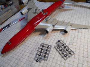 747-8 Orange-Plane-0130 034