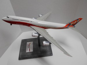 747-8 Orange-Plane-0134 019-Good