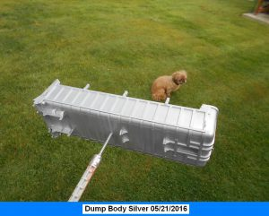 Dump-Trailer-Peterbilt-1-25th-0020 034 028 017-Dogs-s