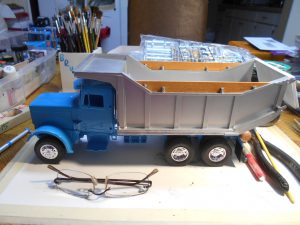DumpBed-Custom-Peterbilt-1-25th-0050 030 011
