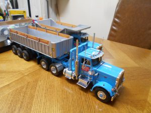 DumpBed-Custom-Peterbilt-1-25th-0050 030 038
