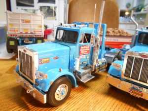 DumpBed-Custom-Peterbilt-1-25th-0050 044 045